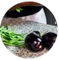 2 aubergines et des haricots. promouvoir restaurant instagram