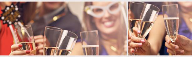 amici che brindano alla festa di Capodanno Riempire i tavoli del ristorante
