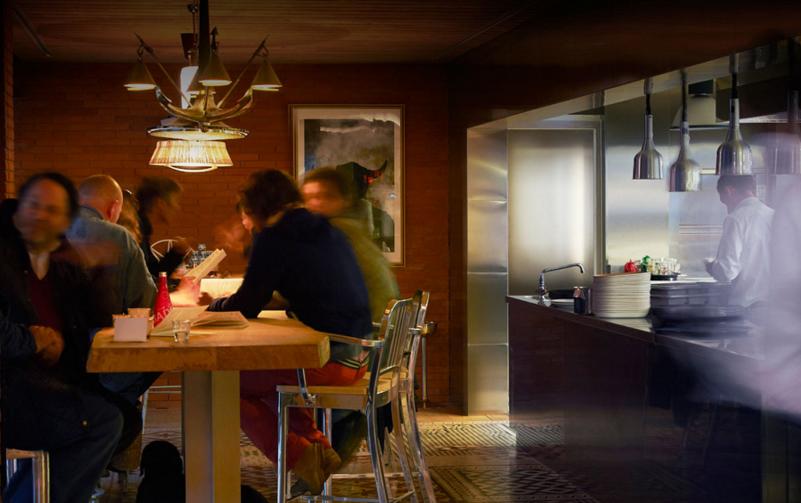 TheFork restaurant management: open kitchen in restaurant Ma Cocotte Paris