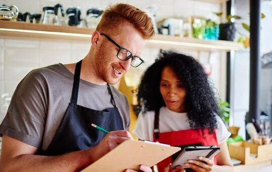 restaurant business plan people working