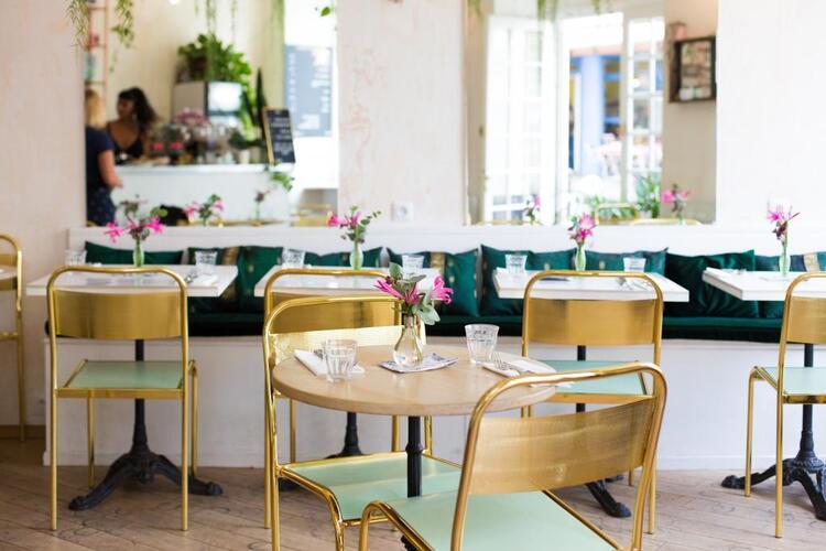 photo-restaurant-tables